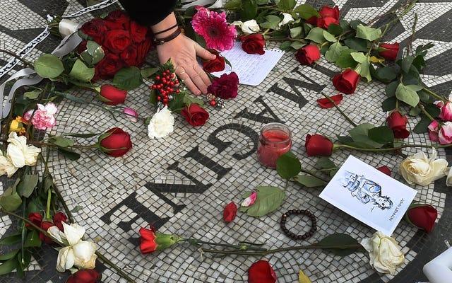 Zabójca Johna Lennona po raz dziesiąty odmówił zwolnienia warunkowego, bo pieprzyć tego gościa