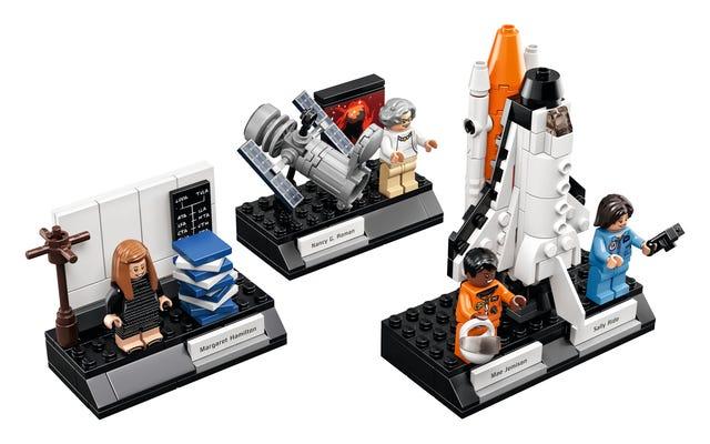 Saluta le donne Lego della NASA