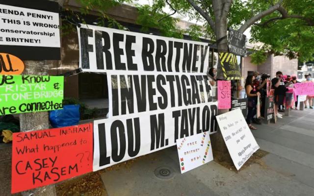 Britney Spears'ın Eski Asistanı Muhafazakarlığın Ne Olduğundan Emin Değil, Ama O Britney'nin Hak Etmediğinden Oldukça Emin