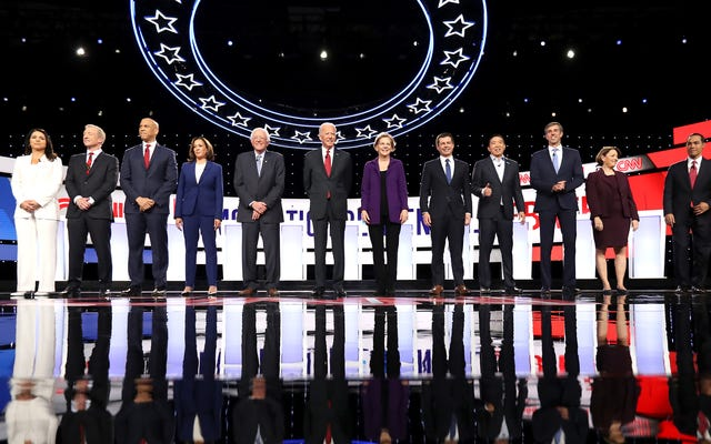 Những khoảnh khắc đẹp nhất từ cuộc tranh luận về dân chủ đêm qua