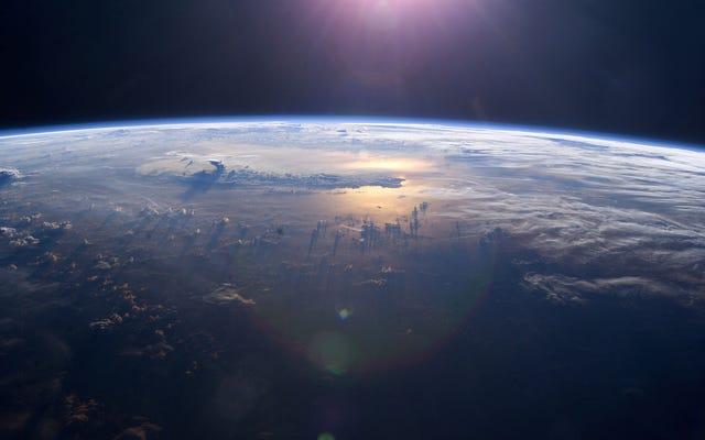 私たちの時代の最も明るい心の1つが地球の表面からどのように消えたのか誰も知りません
