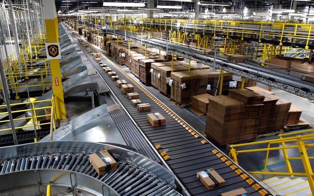 完全に自動化された倉庫は10年先にあるとAmazonは言います