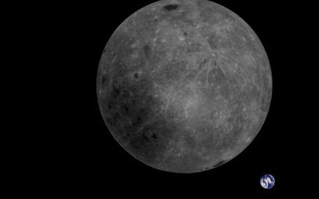 それはPhotoshopではありません:それは1枚の写真で地球と月の向こう側がどれほど壮観に見えるかです