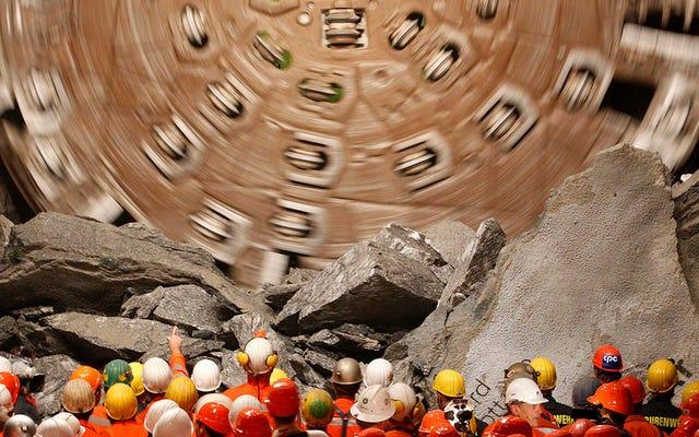 57 километров 2300 метров под землей: это самый длинный туннель, сделанный человеком