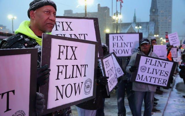 #Flint: i livelli di piombo rimangono invariati; Il Michigan consegna i test dell'acqua alla città