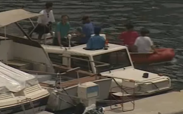 ジェレミークラークソンのモーターワールドの1996年のエピソードからこのGクラスボートについてすべてを知る必要があります
