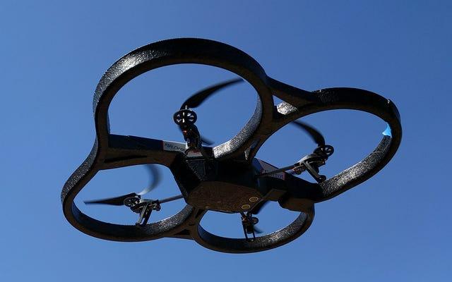 Drone'unuzu Yasal ve Güvenli Bir Şekilde Nasıl Uçurursunuz?