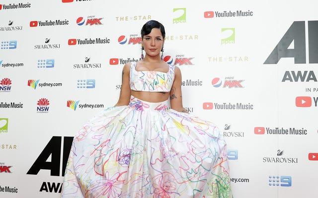 Halsey tham gia The Weeknd để tố cáo sự mờ nhạt của các đề cử Grammy