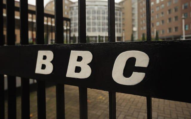 英国の女性テレビ作家は、ネットワークが彼らと連携しない理由を知ることを要求しています