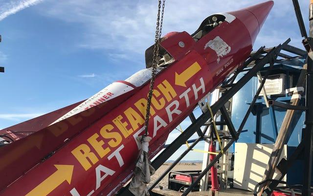 Rebuffed Flat Earth Rocketeer, Bu Sefer Kendisini 500 MPH Hızla Gökyüzüne Atacağını Söyledi