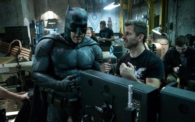 なぜ彼がバットマンのカウルを切ったのかについてのベン・アフレック:「それを割ることができなかった」