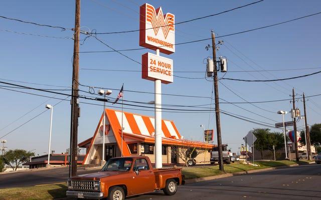 ラストコール:ティーンエイジャーは全人類の利益のために10パティのWhataburgerを食べます
