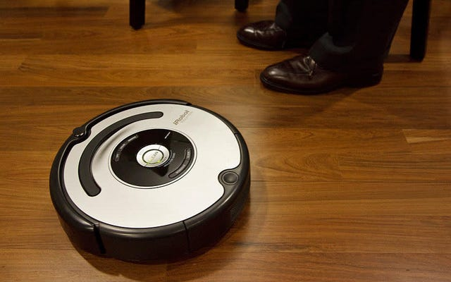 Roombaをハックして、家具と衝突したときに悲鳴を上げて侮辱する