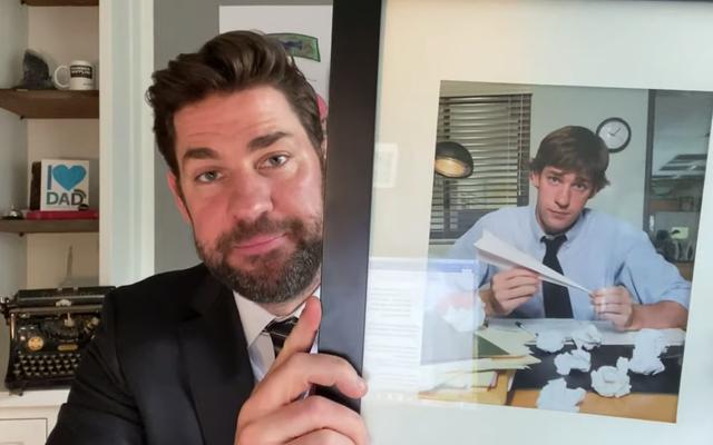 Regardez John Krasinski et Steve Carell se remémorer The Office en quarantaine