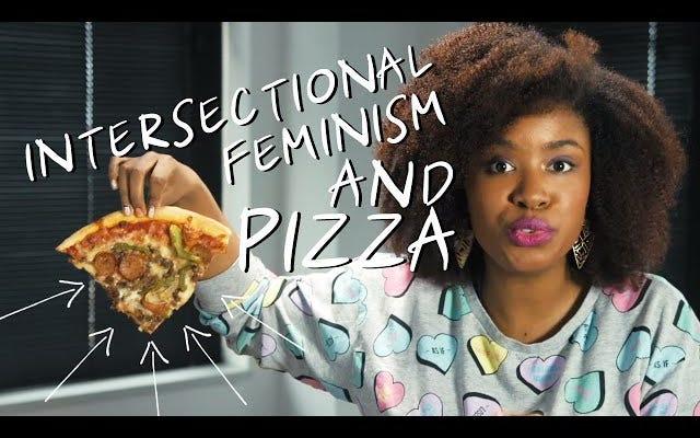 """Il """"femminismo bianco"""" si spiega perfettamente con pizza e hamburger"""