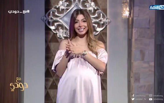 Presentador de televisión egipcio condenado a 3 años de prisión por hablar sobre embarazo extramarital
