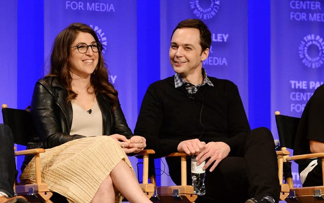 Jim Parsons và Mayim Bialik tái hợp trong bộ phim hài mới của Fox