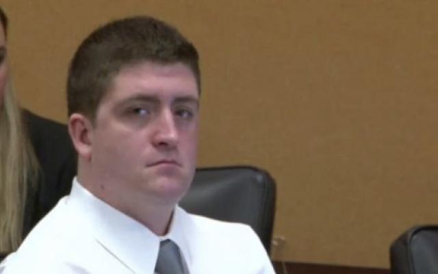 Le flic de Cleveland, Michael Brelo, arrêté 4 jours après avoir été acquitté en 2012 par le tournage d'un couple non armé