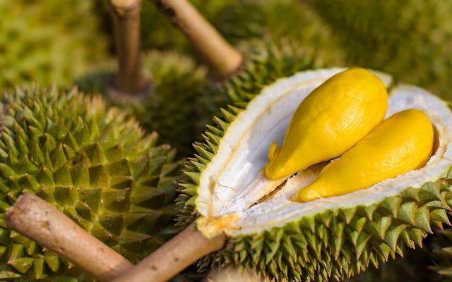 Durian huele a estragos, fuerza la evacuación de la biblioteca de la universidad