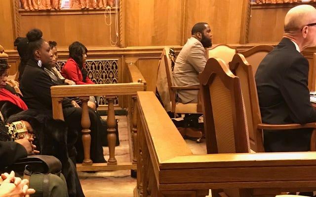 उमर जॉनसन की कानूनी सुनवाई, समर्थन रैली, चर्च सेवा-और हमले का एक फ़र्स्टहैंड खाता