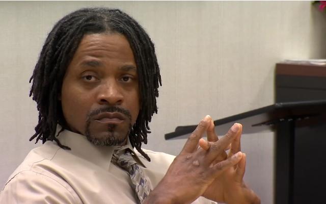 4人の殺人で告発されたフレズノの男は彼が白人を殺したかったことを認めます:「あなたは人種差別にうんざりし、物事を滑らせることにうんざりします」
