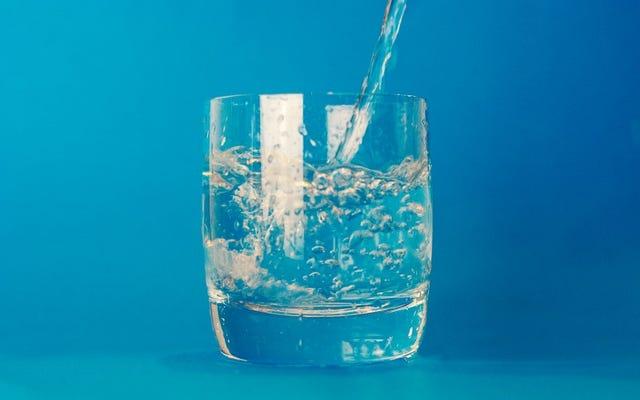 Tips untuk Tetap Terhidrasi di Hari Panas