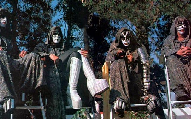 ไฟล์เคส KISS Army AWOL # 51: KISS Meets The Phantom Of The Park