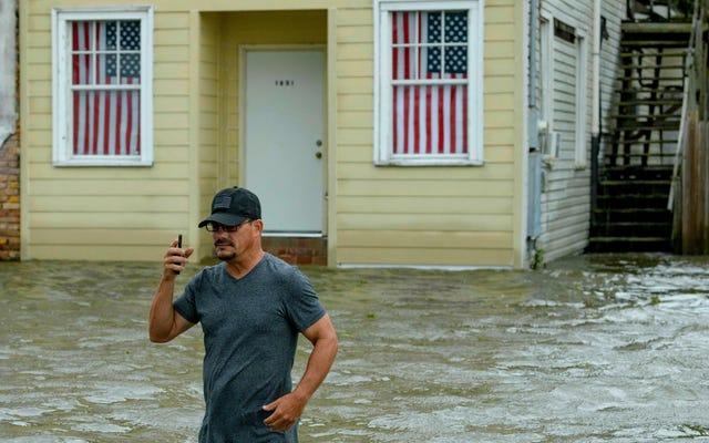 La depressione ormai tropicale Barry risparmia soprattutto New Orleans, ma il rischio di alluvioni rimane alto