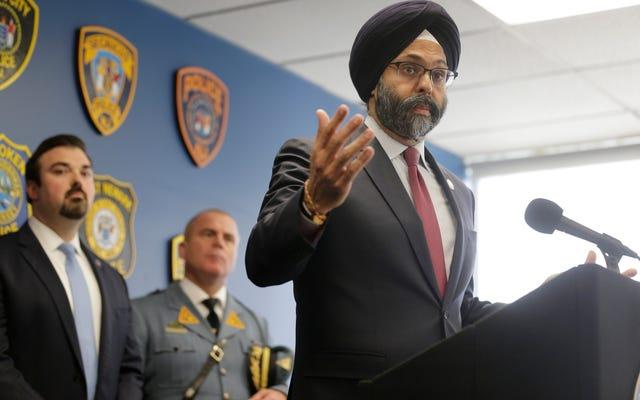 อัยการสูงสุดของรัฐนิวเจอร์ซีย์จะเริ่มดำเนินการยกเครื่องนโยบายการใช้กำลังของตำรวจอย่างกว้างขวาง