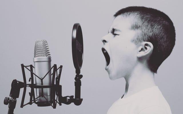 Panduan Introvert untuk Membesarkan seorang Ekstrovert