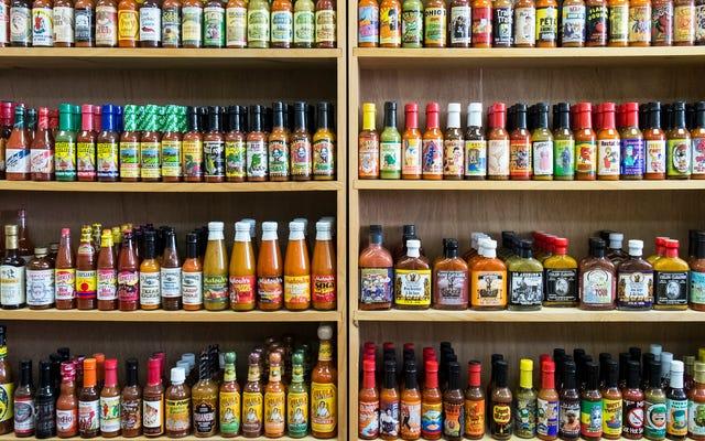17 najlepszych ostrych sosów na Amazon, wybieranych przez fanatyków ostrego sosu