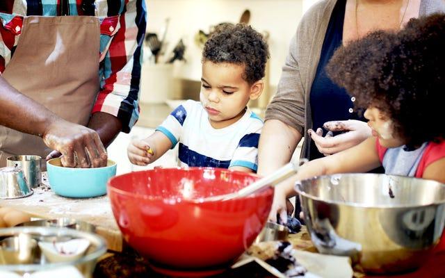 Comment initier vos enfants à la cuisine