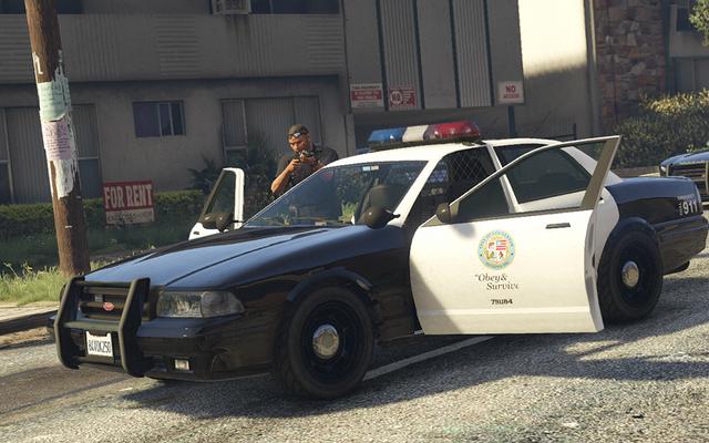 Un violeur présumé arrêté pour avoir laissé le microphone PS4 ouvert dans GTA en ligne pendant un crime
