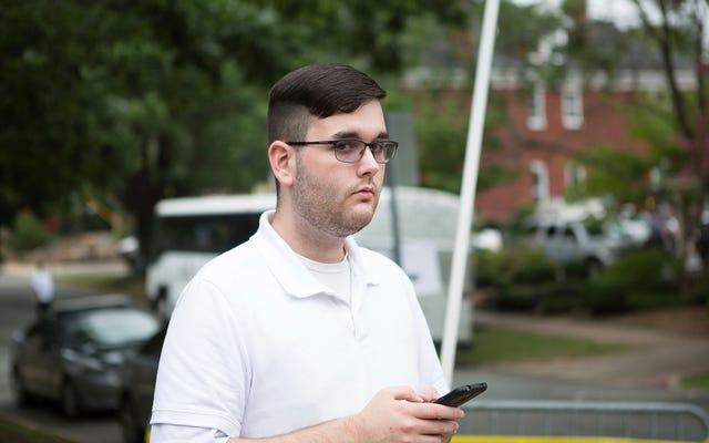 Un homme accusé d'attaque meurtrière contre la voiture de Charlottesville accusé de crimes haineux fédéraux