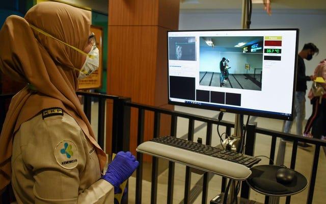 Wanita Dengan Gejala Virus Corona Menghindari Keamanan Makan di Restoran Berbintang Michelin