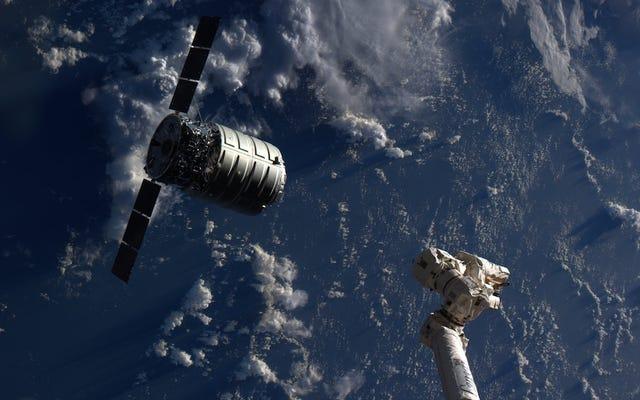 NASA ponownie rozpaliła ogień w kosmosie, ponieważ w tym momencie na pewno dlaczego nie
