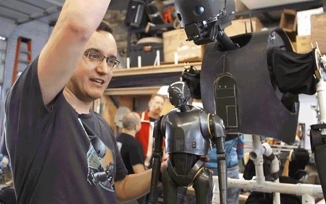 คุณมีเวลาเพียงหกเดือนในการสร้างหุ่นกระบอก K-2SO ที่สวมใส่ได้สำหรับวันฮาโลวีน