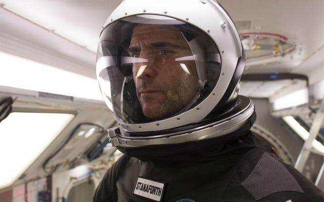 火星に向かう前に、マーク・ストロングは未知のものに近づく際に彼の最後の人間の接触を持っています