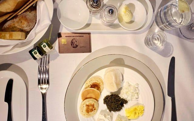 Se consumi cibo e ti piace viaggiare, dovresti ottenere la nuova carta oro Amex