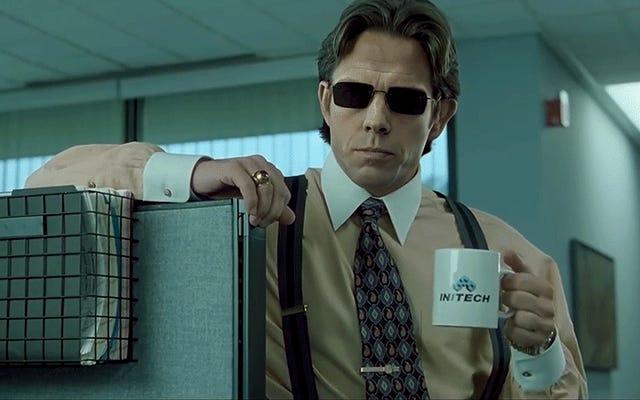 Bu Ofis Alanı, Matrix Deepfake'in Teatral Bir Sürümü Hak Ediyor