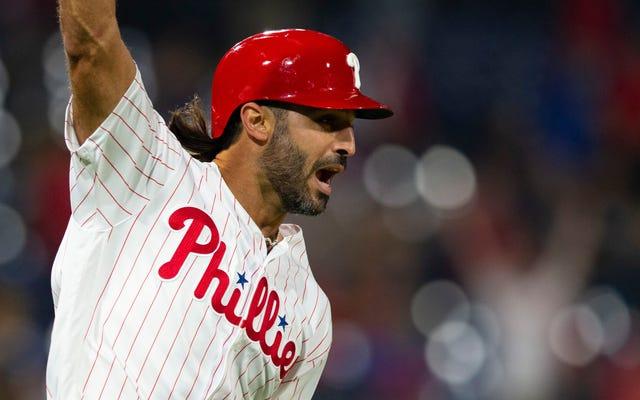 Phillies Người hùng đi bộ, Sean Rodriguez la ó vì chỉ trích Phillies Người hâm mộ vì la ó