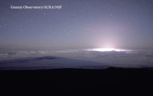 Timelapse inquietante mostra il vulcano Kilauea incandescente delle Hawaii dall'alto