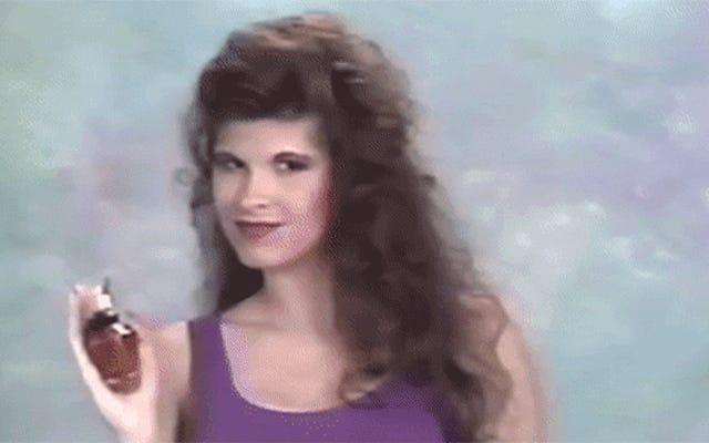 1990年代のモデリングビデオによると、香水を保持する方法—華やかに!—