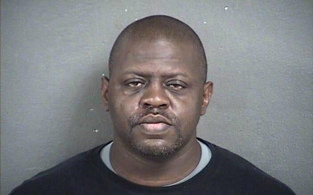 Kan. Bail Bondsman condamné à la prison à vie pour le meurtre d'un fils de 7 ans dont les restes ont été retrouvés dans une porcherie