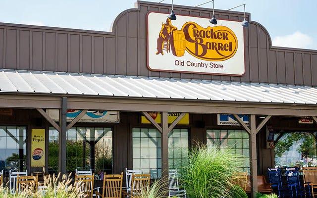 Cracker Barrel decide mantener el alcohol en el menú para siempre [Actualizado]