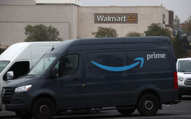 Amazon anuncia un plan totalmente no alarmante para instalar cámaras de vigilancia en cada vehículo de reparto