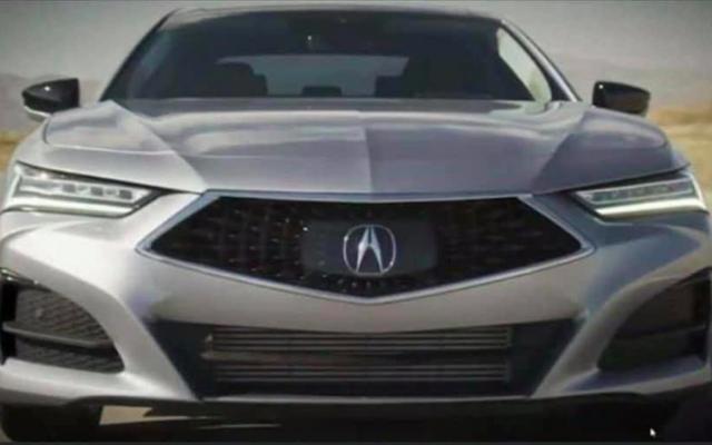 これはどうやら2021年のアキュラTLXであり、コンセプトカーとほぼ同じくらい美しく見えます