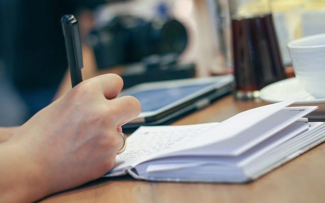 ใช้การแฮ็กแบบ Passive-Aggressive นี้ในครั้งต่อไปที่มีคนยืมปากกาของคุณ