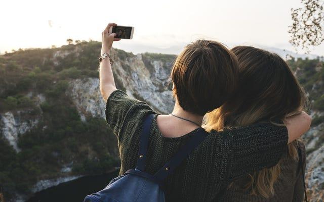 รับเที่ยวบินฟรี 1 ปีสำหรับการลบรูปภาพ Instagram ของคุณ