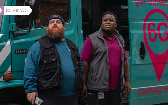 Nick Frost and Simon Pegg's Goofy, Ghostly Truth Seekers Is Well Worth a Binge